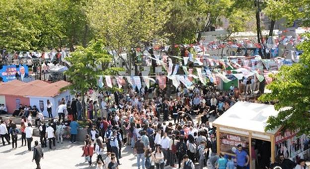 """""""Sarıyer Edebiyat Günleri"""" Haydar Aliyev Parkı'nda Düzenlendi!"""