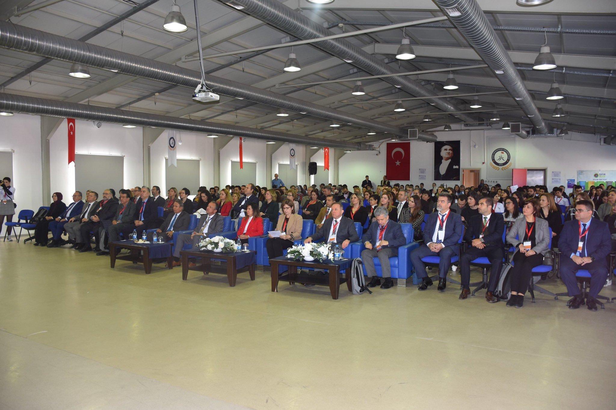 Uluslararası İzmir Demokrasi Üniversitesi Tıp Kongresi Yapıldı