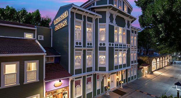 Hagia Sofia Mansions-Curio Collection by Hilton Kapılarını açtı