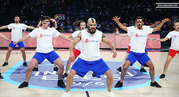 Anadolu Efes'in Dansı Büyük Alkış Topladı