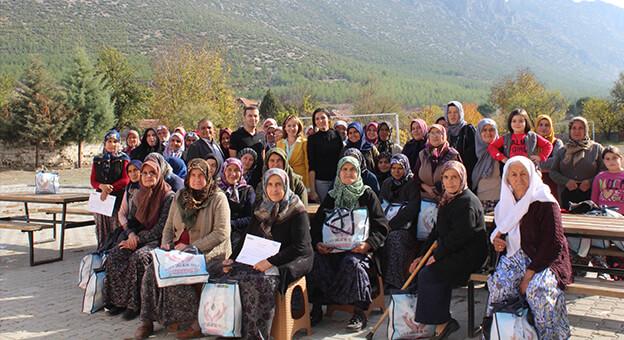 """""""Hijyen Sağlıktır"""" Projesi Kırsal Bölgeden 2 Bin Kadına Ulaştı"""