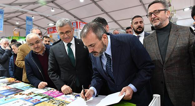 Üsküdar Belediyesi Tarafından Düzenlenen Kitap Fuarı'na Rekor Katılım