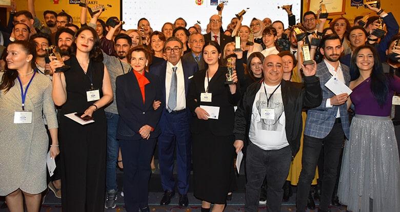 Genç İletişimciler Ödüllerini Aldı