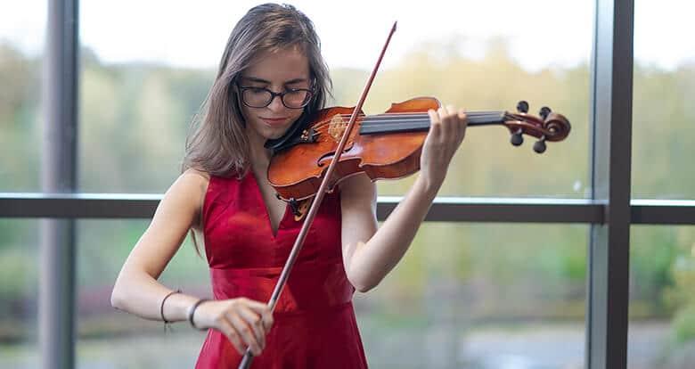 Kraliyet Müzik Akademisi'nden Tam Burs Aldı