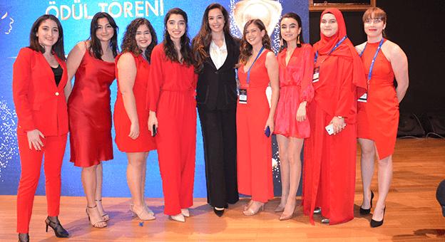Kadın Destekçisi İsimlere Ödülleri verildi