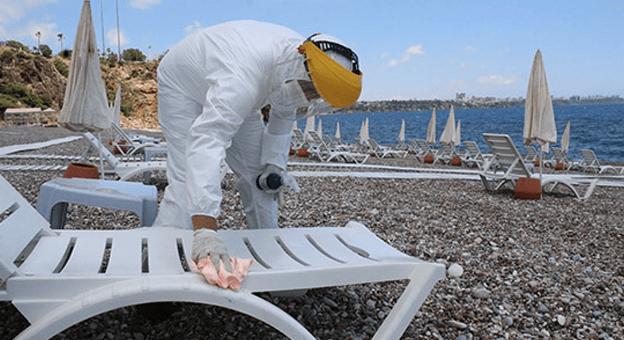 Konyaaltı Sahili'nde Fiziksel Mesafe Düzenlemesi