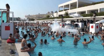Havuzlarda yüzmek tehlikeli mi? Detaylar haberde…