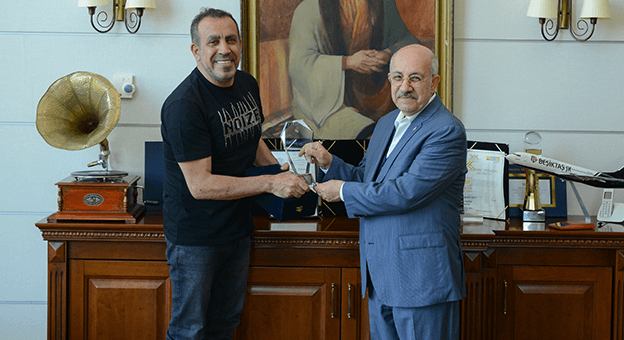 Haluk Levent, burslu öğrenciler için konser verecek