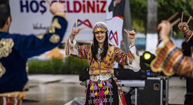 'Babalar Günü' Mersin'de Renkli Etkinliklerle Kutladı