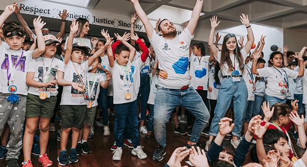 Minikler Türkiye'nin ilk Sanal Bilim Şenliği'nde Buluşuyor
