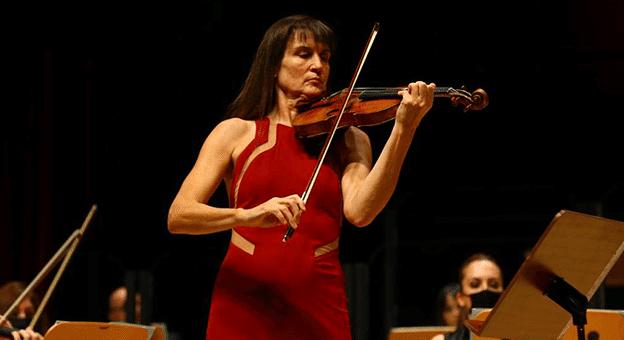 CRR'de Viktoria Mullova Müzikseverleri Büyüledi