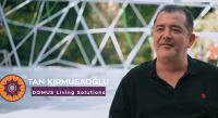 Tan Kırmusaoğlu, şiirli müzikli motivasyon programlarına devam ediyor