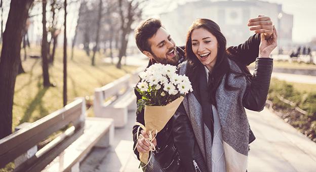 Mutlu Bir Evlilik İçin Aşık Olmak Yeterli Mi? Yoksa Aşkın Gözü Kör mü?