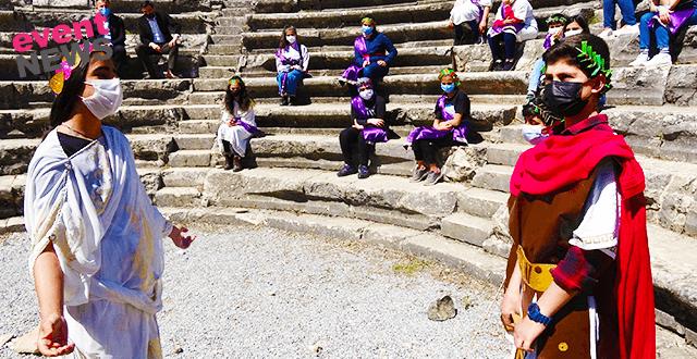 Öğrenciler 23 Nisan ile Turizm Haftası'nı 2 bin yıllık mecliste kutladı