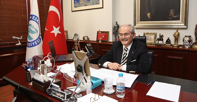 Yılmaz Büyükerşen'e 'yılın sanat insanı' ödülü