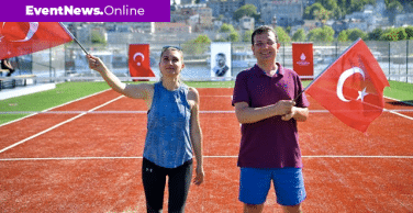 Özlenen İstanbul. 19 Mayıs'ta Haliç'e kurulan platformla tenis gösterileri yapıldı