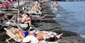 Marmaris'e turistler deniz ve sessizliğin keyfini çıkardı